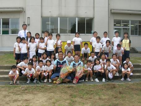 新神田小学校の4年生たちと