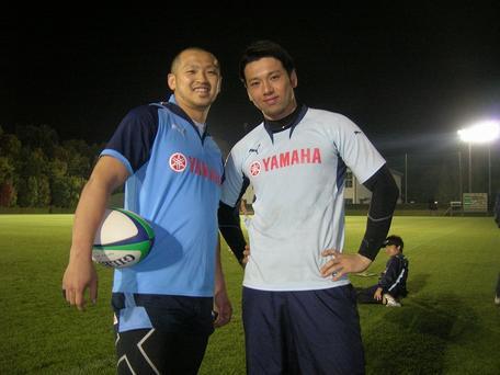 矢富選手(左)と越村選手