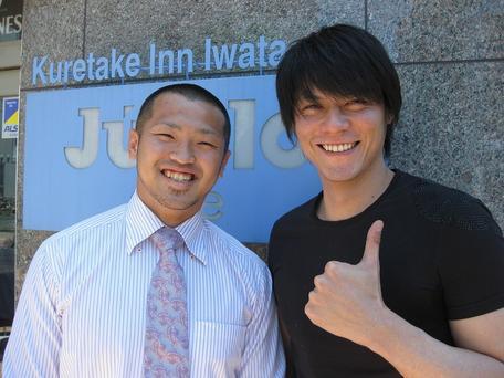 矢富選手と井坂俊哉さん(右)